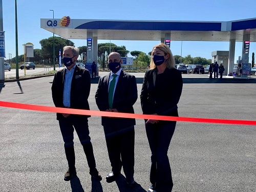 Inauguration of the first service station in the world with graphene-enhanced asphalt.